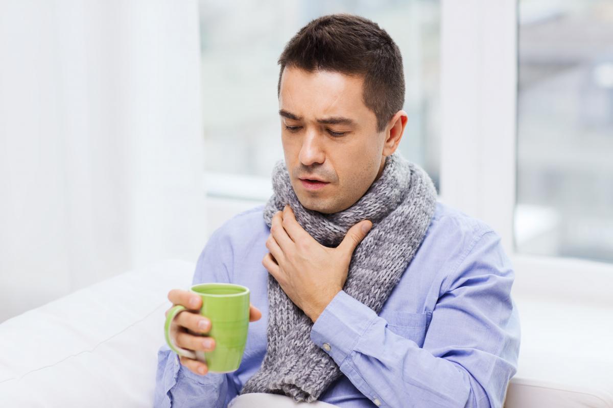 Пропал голос: как лечить и при каких симптомах обращаться к врачу